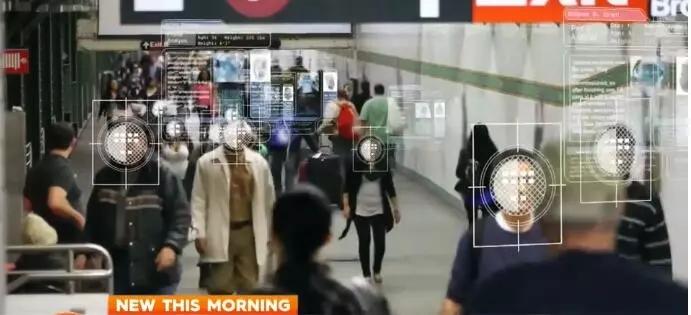 机场的检查系统,会自动识别你的脸,与信息库的信息进行对比