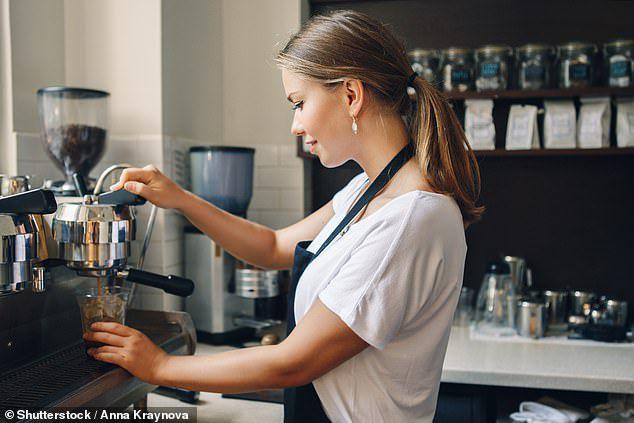 咖啡店当收银员可能澳洲薪资水平的最底层了